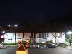 Hotel in Chesterford am Abend